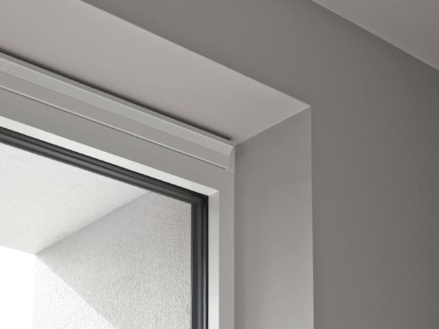 Bijna onzichtbaar Ventilatierooster in het raam